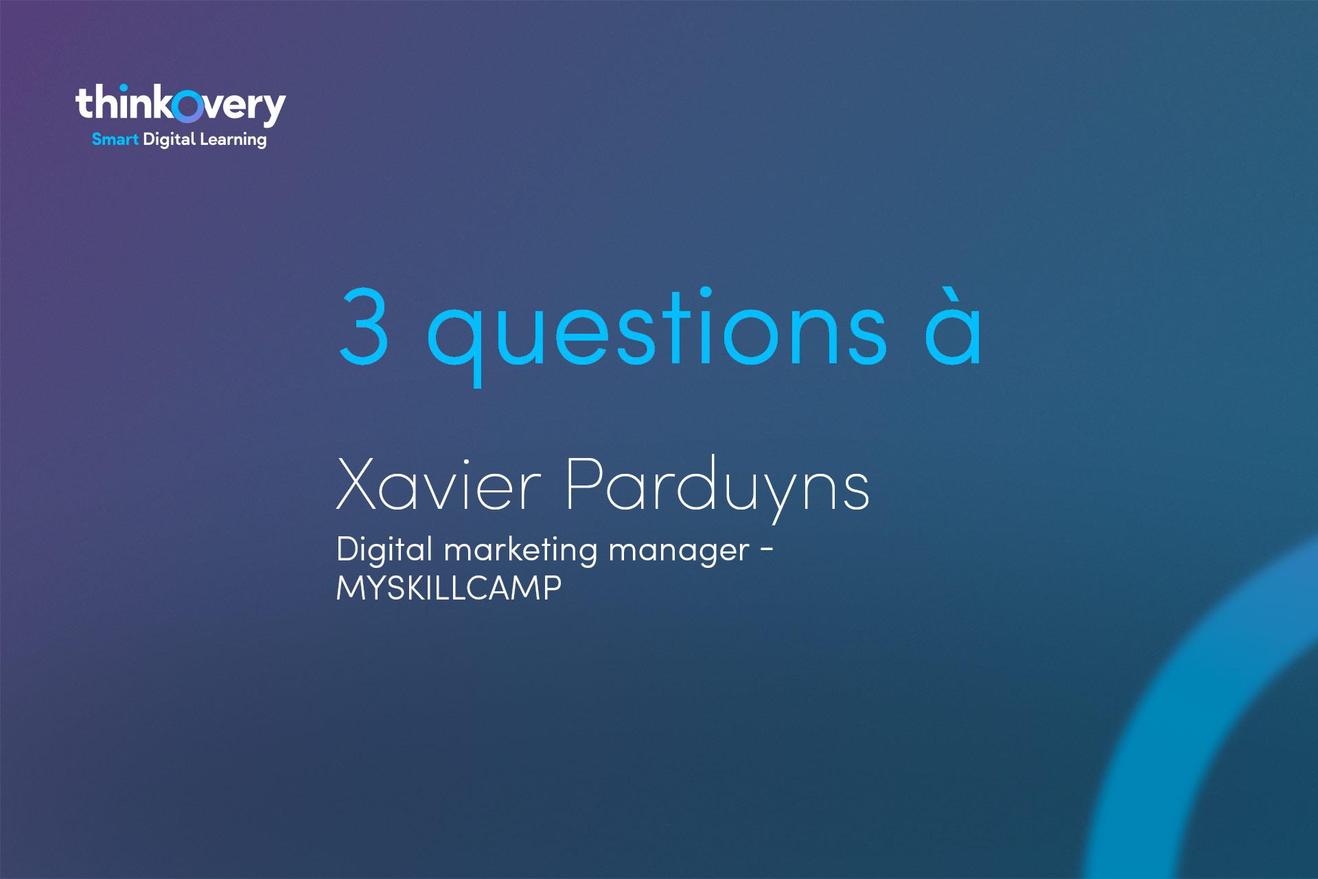 Xavier Parduyns repond aux questions sur le digital learning